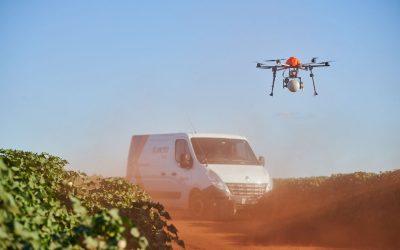 Koppert e Jacto anunciam parceria para liberação de biodenfesivos macrobiológicos via drones em grãos e fibras